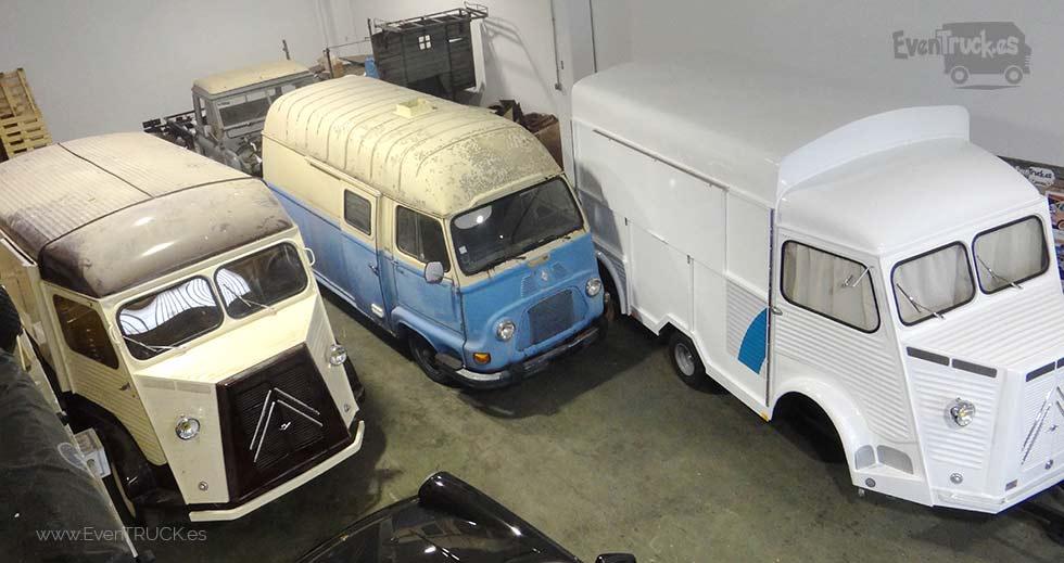 Flota de FoodTrucks, una Renault Estafette 1000 de 1960 y una Citroën HY